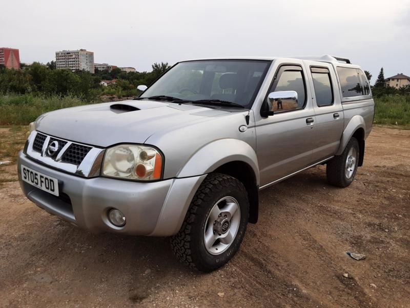Nissan Navara 2,5d D22 hardtop