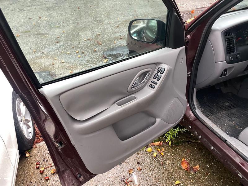 Mazda Tribute 3.0i GAZ, снимка 9