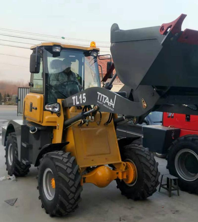 Машини за насипни материали Kubota TITAN НОВИ